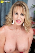 Annette wants to see u jack off