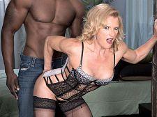 Amanda Verhooks, dark weenie booty slut