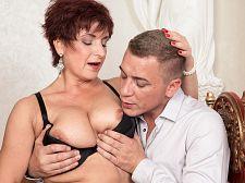 Jessica Sexy acquires some nice boob lovin'