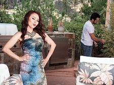 Red-hot Mother I'D LIKE TO FUCK Claudia receives ass-fucked by the gardener