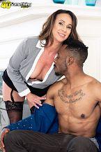 Raelynn sucks and bonks a large, dark-skinned cock