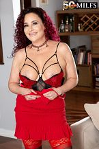 First look: big breasted wife Amanda Ryder